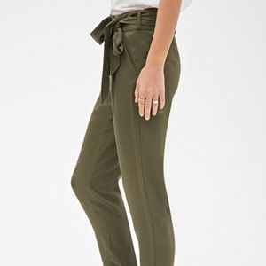 2/$25 Forever 21 contemporary olive green pants